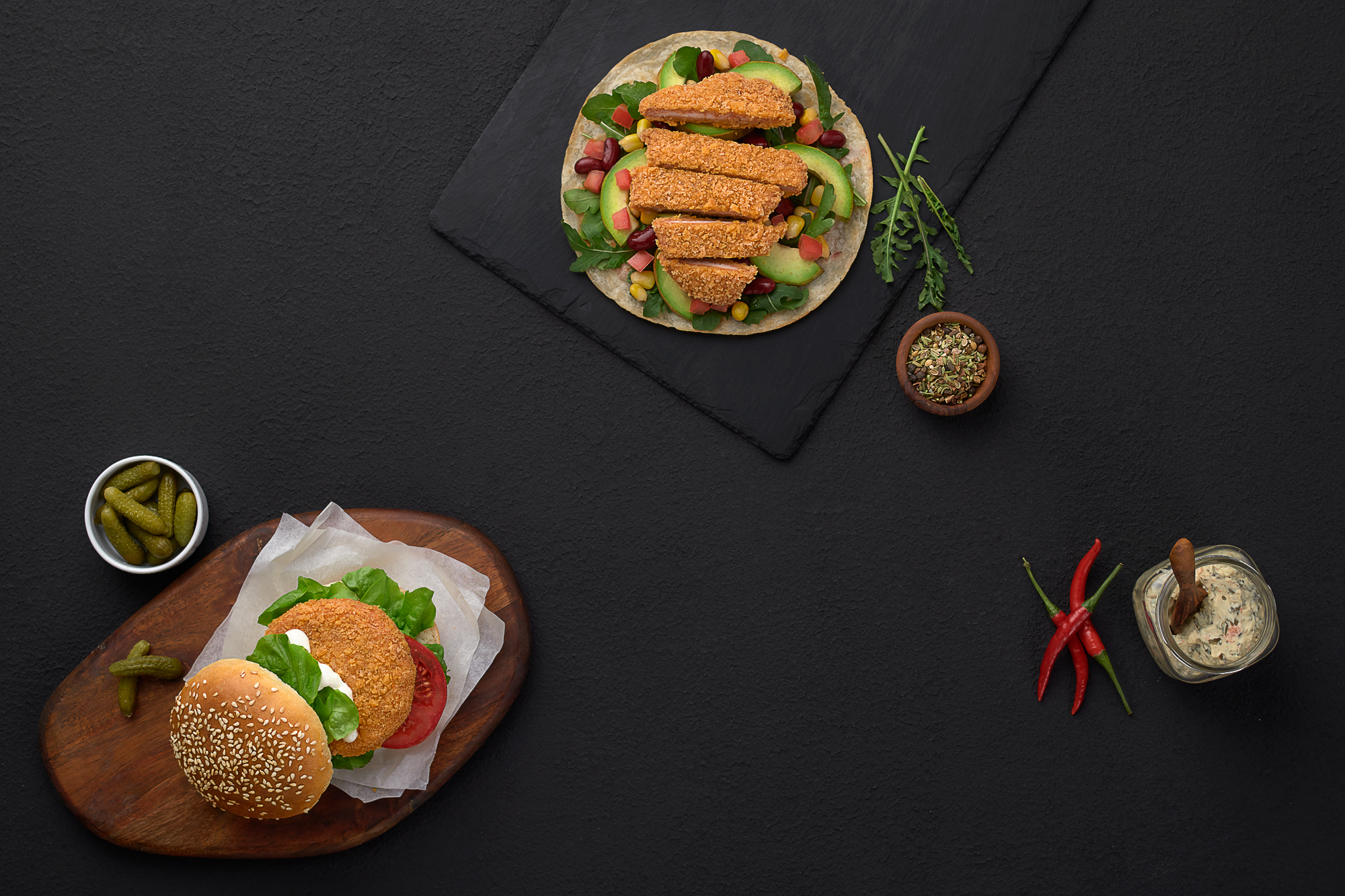 Chicken, Avocado, Red Beans, tomatoes، Rocca, chicken Burger, ban and pickles